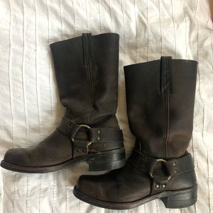 Men's Frye brown leather boots size 8